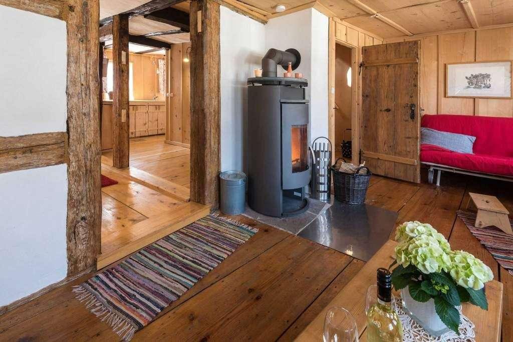 urlaub mit hund im ferienhaus schwarzwald eingez unt. Black Bedroom Furniture Sets. Home Design Ideas